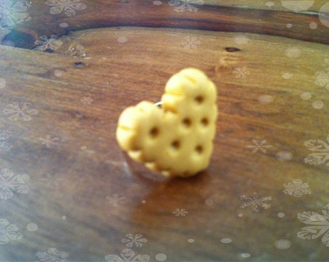 Small biscuit ring butter heart