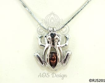"""Pick A Pearl Cage Silver Frog Charm Frog Prince Holds a Pearl Chocolate BROWN BEAD Gem 18"""" Silver Necklace"""