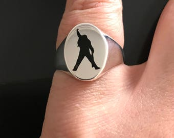 Freddie Mercury ring black epoxy, Freddie Mercury signet ring, unique Freddie Mercury ring, pinky ring, Freddie Mercury jewelry