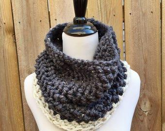 Cowl | Crochet | Navy