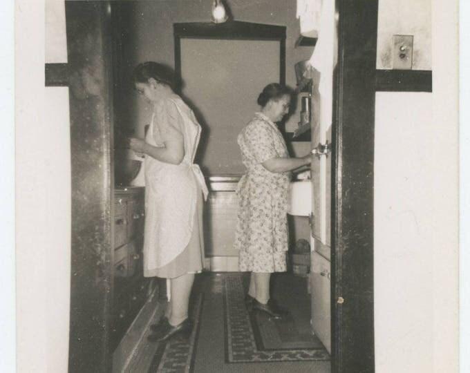 Vintage Snapshot Photo: Working in the Kitchen, c1930s (711619)