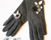 Gants en laine gris, motif gris et feuilles blanches