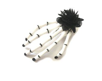 Hair clip skeleton hand flower black gothic
