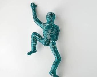 Climbing man figure, sport art, home decor, wire mesh sculpture, metal wall art - Green