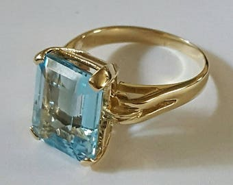 Vintage Solid 14k Yellow Gold Blue Topaz Ring Size 6 1/2