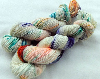 Handdyed SockYarn, 75 Wool, 25 Nylon 100g 3.5 oz. Nr. 110