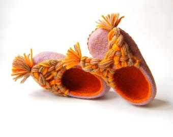 Girls slippers - felted slippers - toddler girls home shoes - orange wool felt slippers - gift for sisters - 12,5 US and 8,5US