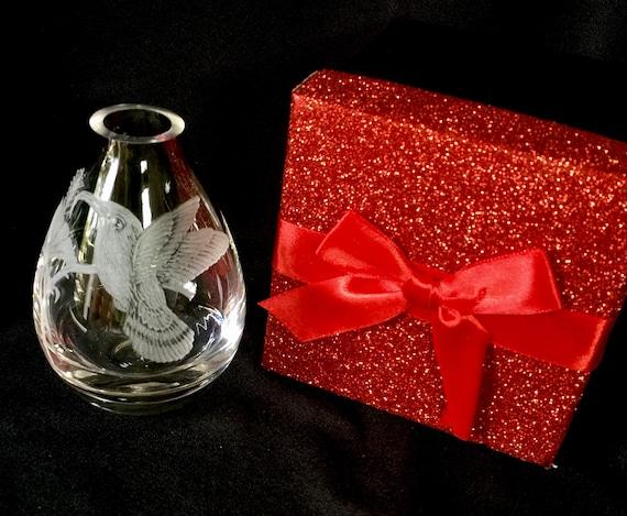 Hand Engraved Bud Vase, Small Glass Vase, Hummingbird Vase Vase, Art Deco Vase, Engraved Vase, Mini Vase Etched, Crystal Bud Vase