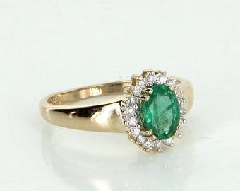 Vintage 14K Yellow Gold Green Emerald Diamond  Ring size 6