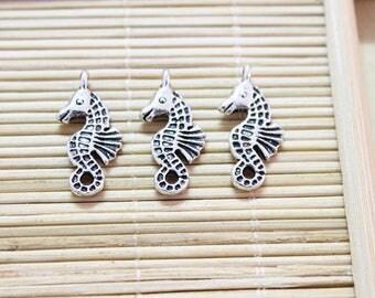 30 antique silver seahorse charm pendants