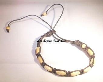 Brown and varnished wood beige barrel beads macrame bracelet