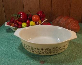 Spring Sale Vintage Pyrex #045 Gold Leaves/ Grapes Oval Casserole Dish - 2 1/2 Quart - Promotional
