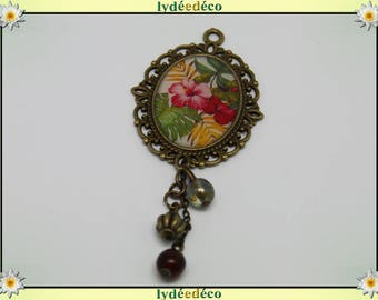 Brooch Hibiscus charm retro vintage Green Pink White Pearl resin