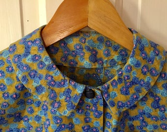Cute Vintage Blouse, Blue Flowers, Peter Pan Collar, Hand Made, 1950s 1960s, Costume, Wardrobe, Movie Prop, Olive Background