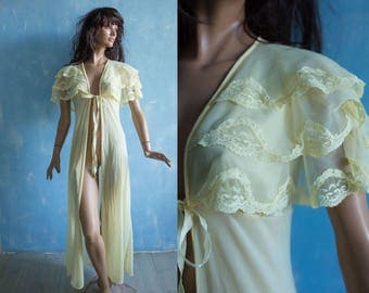 70s vintage  pale yellow nylon house robe/  sleeveless  frill cape collar long sexy   peignor robe/S