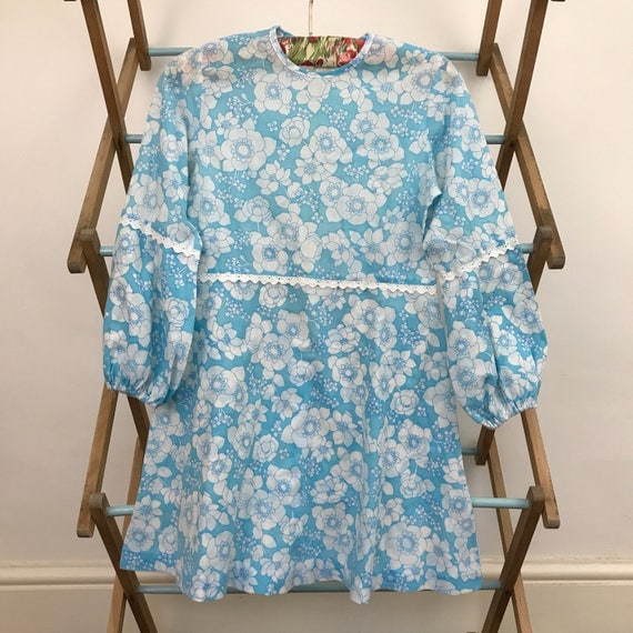 1970s girls vintage dress blue flower power A line 60s psychedelic sundress age 8 kidswear 70s dress
