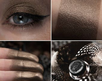Eyeshadow: Knowing the Secret Language of the Owls - Mountain Thorp. Cold brown satin eyeshadow by SIGIL inspired.