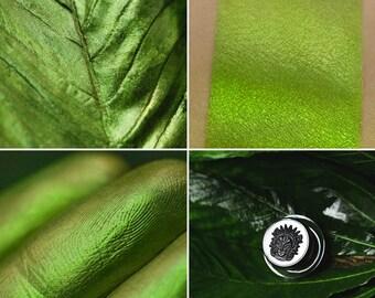 Eyeshadow: Dressing in the Leaves - Druidess. Juicy green matte eyeshadow by SIGIL inspired.