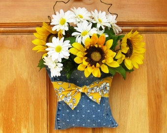 Front Door Floral Arrangement Farmhouse Wall Decor, Sunflowers and Daisies