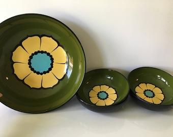 Green and Yellow Flower Lacquerware Bowl Set/Plastic Bowl Set/Mod Salad Bowl Set