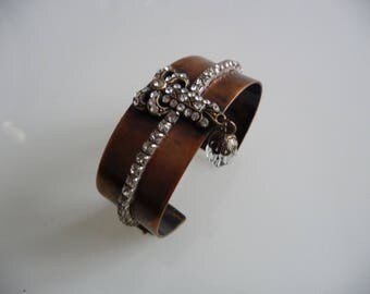 """"" Cuff bracelet in copper and rhinestone ""my femininity"""
