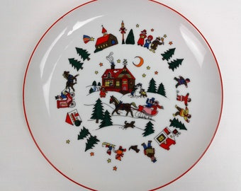 Porcelain Christmas Holiday Salad Collectible Plate Japan Horse Drawn Carriage