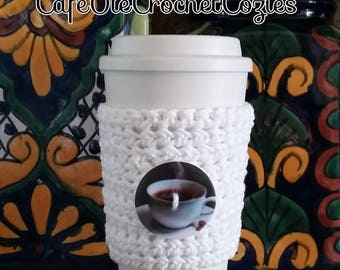 Crochet coffee cup cozy, with a coffee cup button , made with 100% cotton. Crochet coffee sleeve, crochet coffee cozie