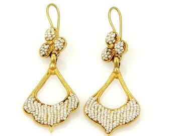 14874 - Vintage 22k Yellow Gold Seed Pearl Dangle Drop Earrings