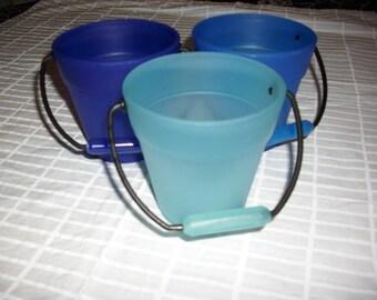 3 buckets, Blue (568)