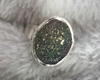 Druzy silver ring//sterling silver//peacock druzy