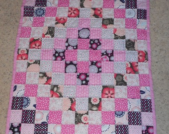 "Pink Gray & Black Polka Dot Hand Sewn Girls Baby Toddler Lap Crib Quilt 32"" x 44"" Trip Around the World"