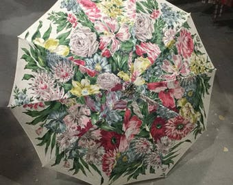 1940s Rayon Print Ladies Umbrella with Curly Lucite Handle