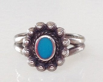 Native American  Navajo Old Pawn Turquoise Sterling Silver Ring Size 8