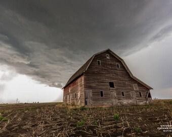 Old Barn Photography, Barn Artwork, Red Barn Photo, Nebraska Pictures, Rural Artwork, Country Wall Art, Nebraska Barn, Photos of Barns