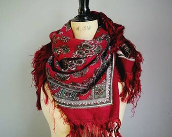 Vintage folk scarf / maroon paisley gypsy scarf / large boho wrap scarf with fringing / red wine wrap scarf / hippie paisley scarf / shawl