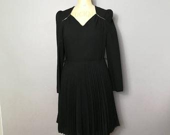 Black dress with gold / 70s black evening dress / black pleated party dress / black party dress / black and gold vintage frock