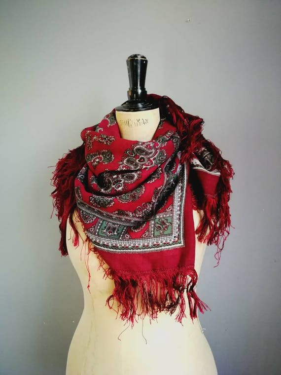 Vintage folk scarf / maroon paisley gypsy scarf / large boho wrap scarf with fringing / red wine wrap scarf / hippie paisley scarf / shawl