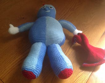 Hand knitted 'IGGLE PIGGLE'  soft toy from 'In the night garden'