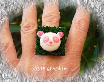 Grass and panda ring