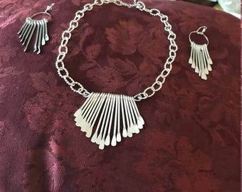 SILVER CHAINED Necklace  And Earring set