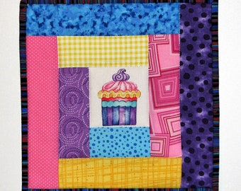 """Quilted Cupcake Pot Holder, Quilted Fabric Hot Pad, Modern Log Cabin Quilted Trivet, 9.5""""x9.5"""", Quiltsy Handmade"""