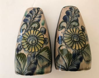 Vintage Mexican Tonali Pottery Salt and Pepper Shaker Mexico-Hand Made-Decorative- Hand Painted-