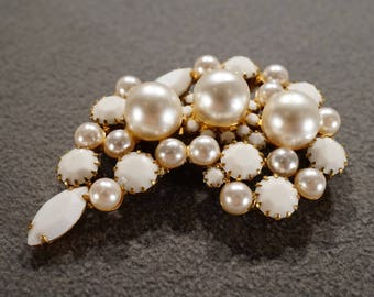 Vintage Retro Style Yellow Gold tone Faux Pearl Glass Stone White Pin Brooch Jewelry -K#12