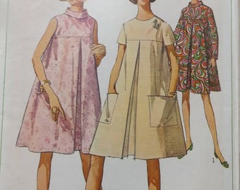 Maternity Dress with Inverted Pleat and Front Yoke and Bias Roll Collar in Size 18 Vintage 60s Simplicity Sewing Pattern 5909  Uncut/FF