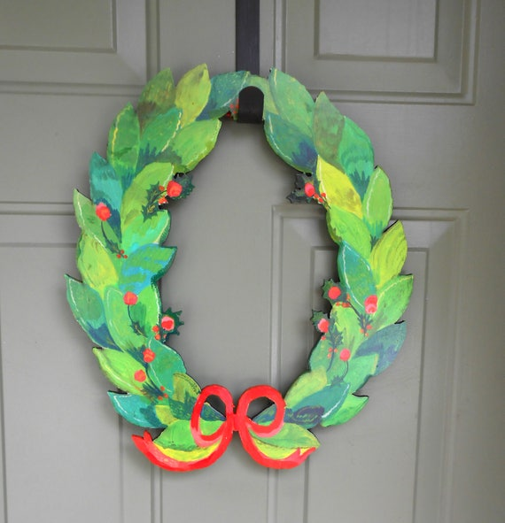 Holly wreath, wood wreath, modern wreath, modern farmhouse, modern Christmas wreaths,