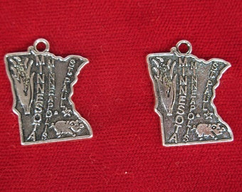 """10pc """"Minnesota"""" charms in antique silver style (BC1291)"""