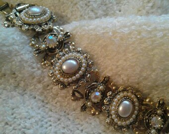 Beautiful Vintage Bracelet with Faux Stones and Pearls