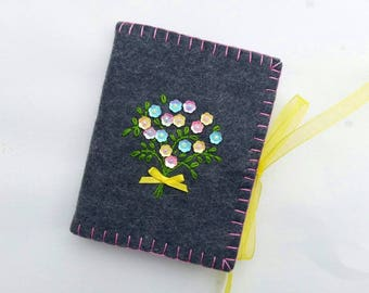 Wool Felt Needle Case, Embroidered Needle Book, Sequined Needle Holder, Flower Needle Book, Needle Book with Flowers, Sewing Needle Holder