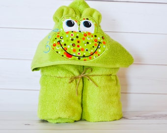 Kids Towels - Hooded Towel - Bath Towel - Baby Towel - Toddler Towel - Frog Towel - Personalized - Baby Gift - Birthday Gift - Embroidered