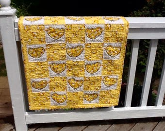 Appliqued baby quilt, baby chicks 28x43